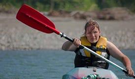 детеныши женщины kayak Стоковое Изображение