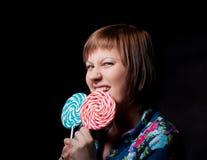 детеныши женщины lollipop Стоковые Фото