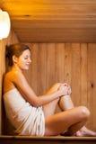 детеныши женщины sauna Стоковые Изображения