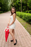 детеныши зонтика парка девушки Стоковое Изображение
