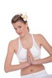 детеныши йоги белой женщины положения пригодности стоковая фотография