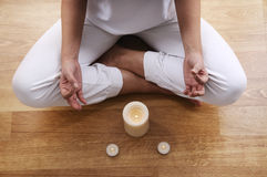 детеныши йоги женщины раздумья Стоковое фото RF