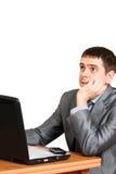 детеныши компьтер-книжки бизнесмена передние Стоковое фото RF