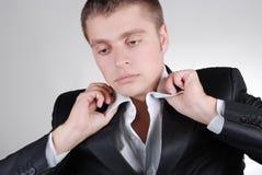 детеныши костюма черного бизнесмена красивые стоковое фото