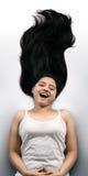 детеныши красивейших черных волос девушки индийские длинние Стоковая Фотография