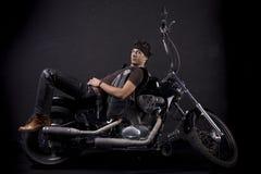 детеныши мотоцикла человека Стоковая Фотография