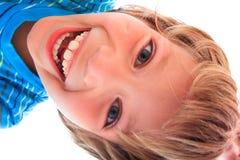 детеныши портрета мальчика счастливые стоковые изображения