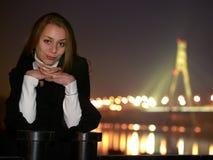 детеныши портрета ночи девушки Стоковое фото RF