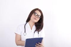 детеныши привлекательного доктора женские Стоковая Фотография