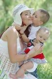 детеныши природы семьи счастливые Стоковые Фото