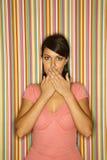 детеныши рта взрослого кавказского заволакивания женские стоковое изображение rf