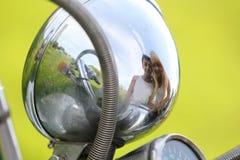 детеныши самоката природы мотовелосипеда пар Стоковая Фотография
