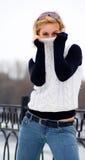 детеныши свитера девушки белые Стоковые Изображения RF