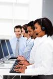 детеныши центра телефонного обслуживания коммерсантки работая Стоковое фото RF