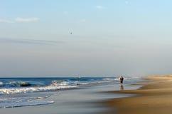 детеныши человека пляжа Стоковая Фотография