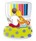 детеныши tv пар наблюдая Стоковые Фото