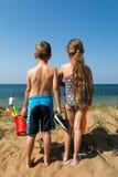 Дети возглавляя к пляжу Стоковая Фотография RF