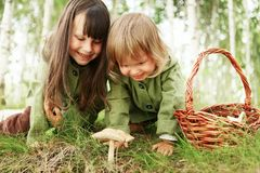 Дети в пуще Стоковое Фото