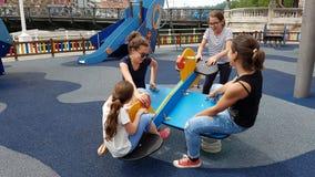Дети в спортивной площадке Стоковые Изображения RF