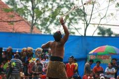 Дети в танце и привлекательности традиционного Reog Ponorogo стоковая фотография rf