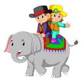 Дети едут милые слоны счастливо бесплатная иллюстрация