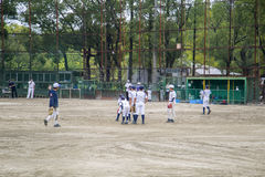 Дети играя бейсбол в Осака, Японии Стоковые Изображения RF