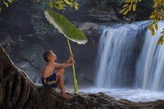 Дети играя воду Стоковые Изображения RF