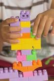 Дети играя игрушку Стоковое Фото
