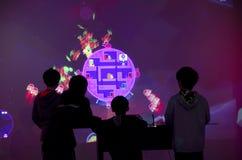 Дети играя наркоманию игры Стоковая Фотография