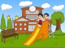 Дети играя скольжение на иллюстрации вектора шаржа школы Стоковые Изображения RF