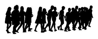Дети идя к школе совместно, силуэт бесплатная иллюстрация