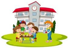 Дети имея обед в школе бесплатная иллюстрация
