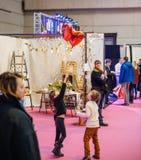 Дети имея потеху Салон du Замужество wedding справедливая Франция Стоковая Фотография
