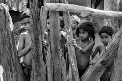 дети Индия недостаточно питающийся стоковые фото