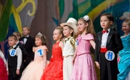 дети красотки оспаривают s Стоковые Фотографии RF