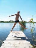 Дети купают в реке Стоковое Изображение