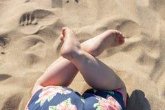 Дети малые ноги стоковые изображения