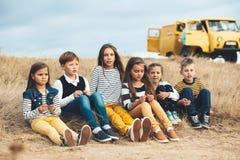 Дети моды в поле осени Стоковое Изображение RF