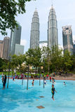 Дети на бассейне в заплывании Куалаа-Лумпур Стоковое фото RF