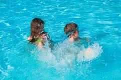 Дети на бассейне Стоковое фото RF