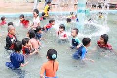 Дети на плавательном бассеине Стоковое Изображение RF