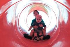 Дети на скольжении Стоковое Изображение