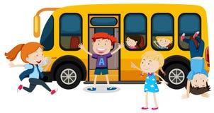 Дети на школьном автобусе бесплатная иллюстрация