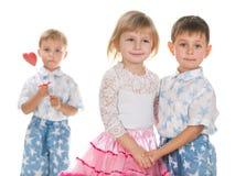 Дети празднуют день валентинки стоковая фотография rf