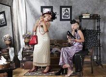 Дети пробуют дальше платье бабушки Стоковое Изображение RF