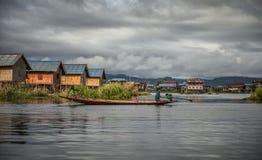 Дети племени Inthar, озера Inle, Мьянмы Стоковое Фото