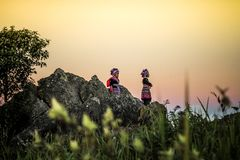 Дети племен, Градус Фаренгейта хиа Phu Chiangrai, Таиланд Стоковая Фотография