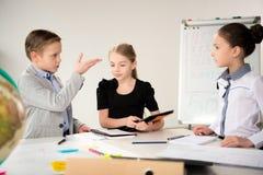 Дети работая в офисе Стоковое Изображение RF