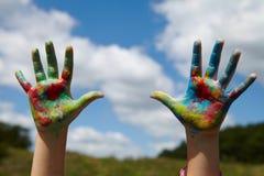 Дети рисуют краски стоковое фото rf