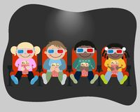 Дети смотрят кино в кино Стоковое фото RF